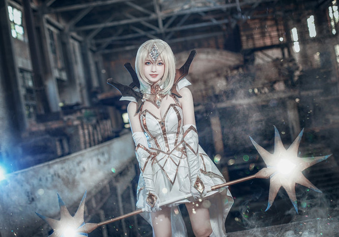 cosplay-lux-thap-dai-nguyen-to